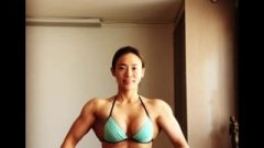 Innocent Korean Muscle Girl