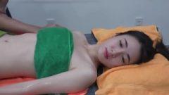 Thai Flirtatious Girl Enjoy Massage