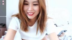 Sweet Chinese Webcam Female With A Hairy Fanny