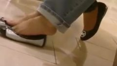 Candid Double Japanese Flats Shoeplay At Mall (nmw)